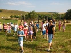 Gbelské deti na farme