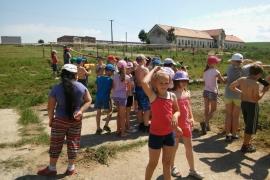 Nadejni-chovatelia-deti-na-exkurzii